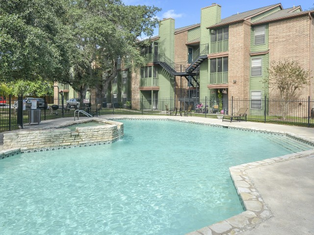 Image of Swimming Pool for Remington House Apartments