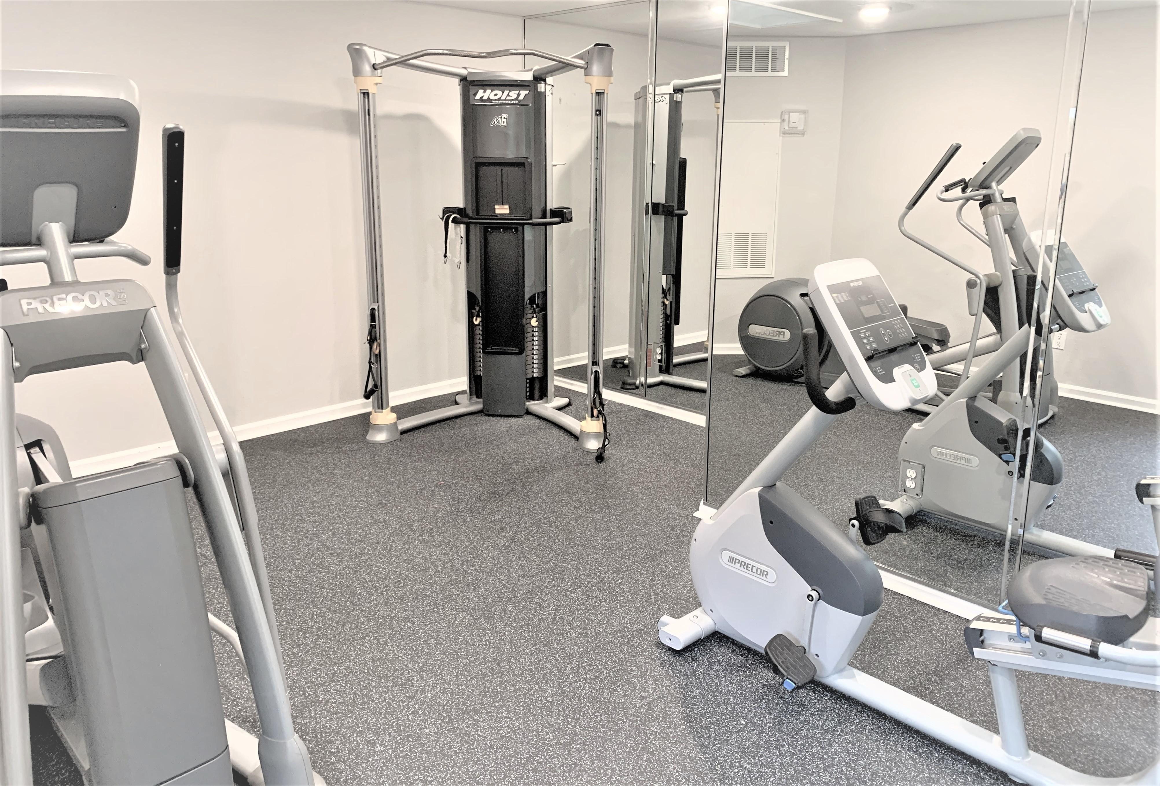 Fitness Center | Cardio Equipment | Weight Machine | Centennial Place Apartments