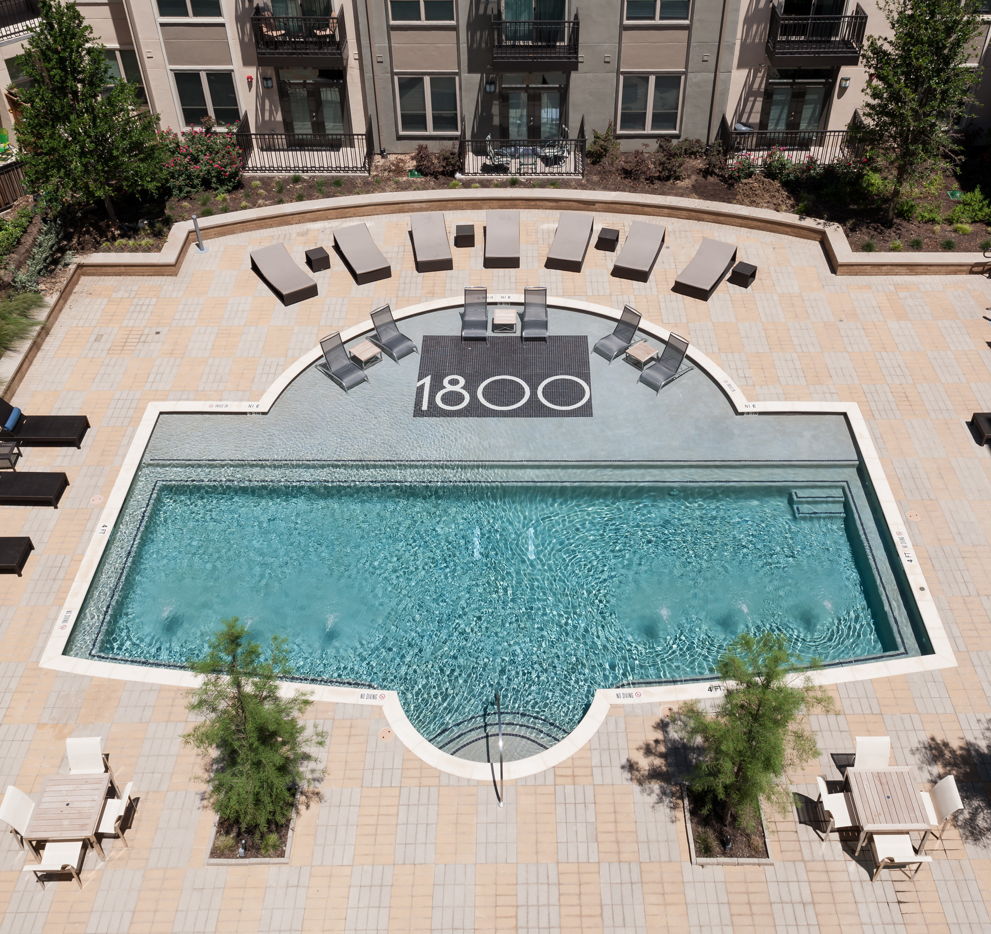 Resort Style Pool | Luxury Apartments In San Antonio | 1800 Broadway