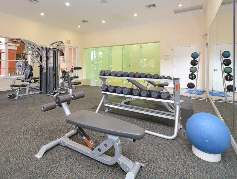 Palms of Monterrey, interior, fitness center, 24 hours, weights