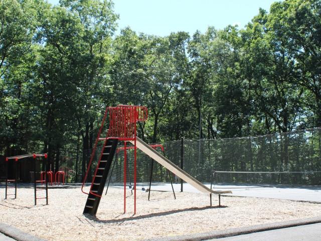Playground   Heritage Gardens Apartments