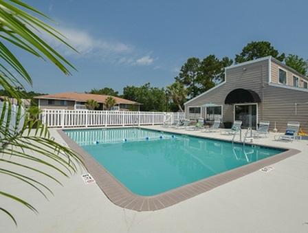 Sparkling Pool | Branchwood Apartment Homes