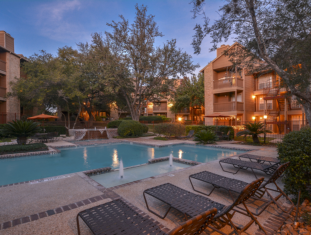 Pool in the Evening |  Oak Springs Apartments