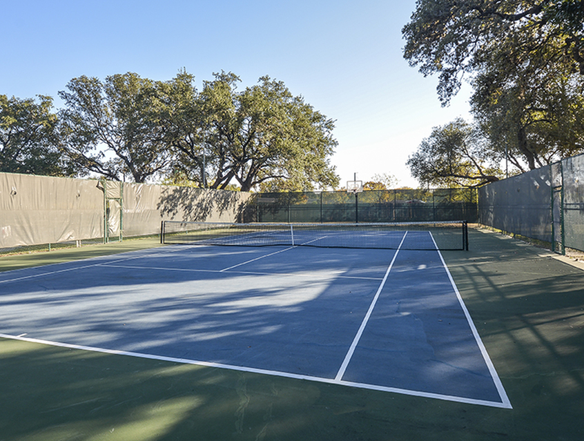 Tennis Courts | Indian Hollow Apartments