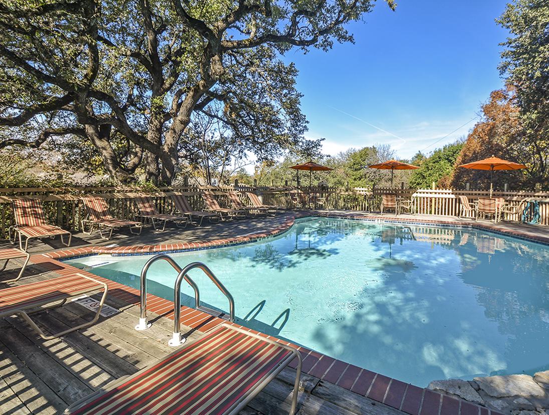 Pool | Austin Apartments | Barton\'s Mill Apartments