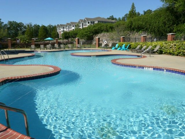 Image of Swimming Pool for The Bluffs at Riverview