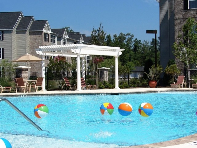 Image of Swimming Pool for Rice Creek Apartments