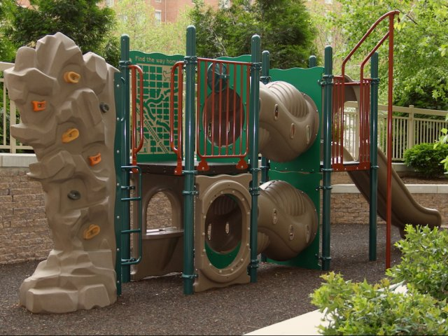 Image of Playground/Picnic Area for Quincy Plaza