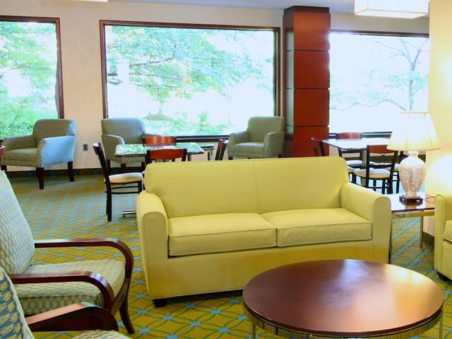 Community Study Lounge   Arlington Apartments   Courtland Towers