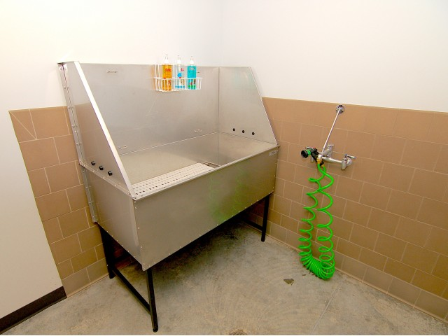 Image of Pet Washing Station for Pinnex