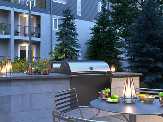 Resident BBQ | Luxury Apartments in Kansas City Missouri | Gallerie