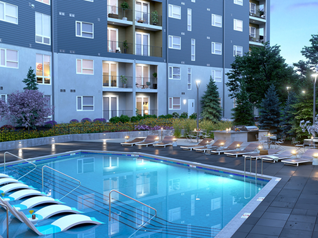 Sparkling Pool | Kansas City Apartments | Gallerie