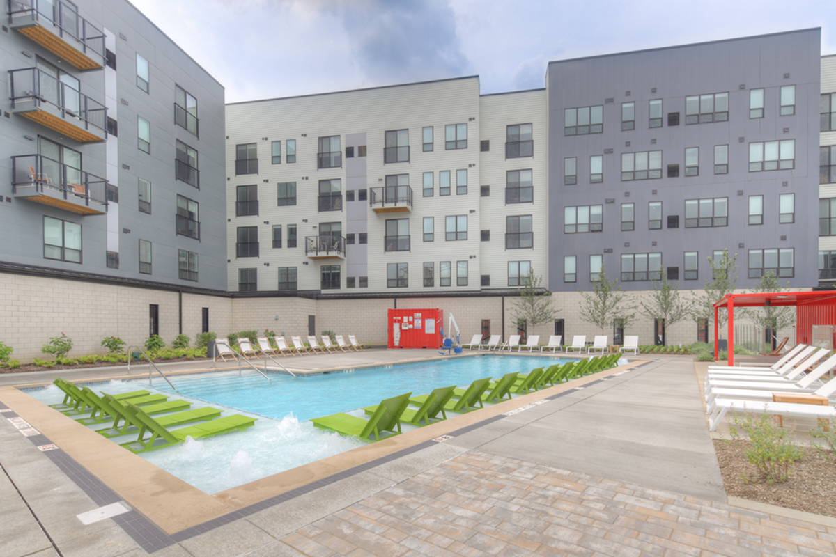 Swimming Pool | Pittsburgh Apartments | Arsenal 201