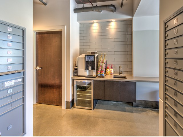 Community Coffee Bar | 2 Bedroom Apartments In Milwaukee | Stitchweld