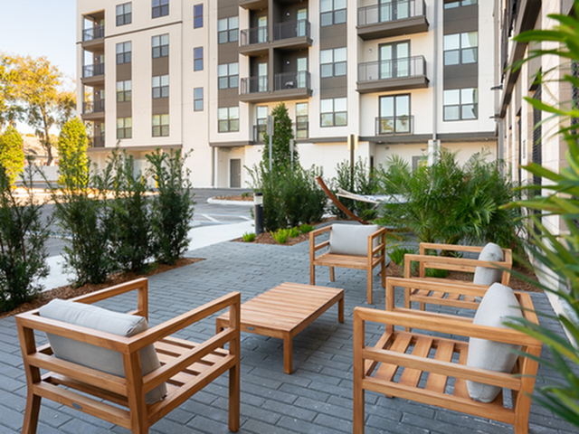 Image of Outdoor Courtyard for HITE