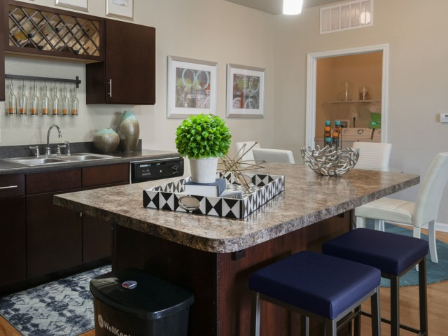 Image of Granite Countertops in Kitchen and Bath* for Longitude 81