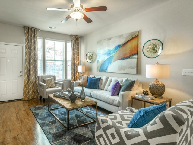 Image of Ceiling Fans in Living Room and Master Bedroom for Longitude 81