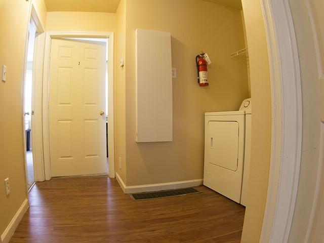 6 Bed Apartments - Check Availability | Knapp Avenue ...