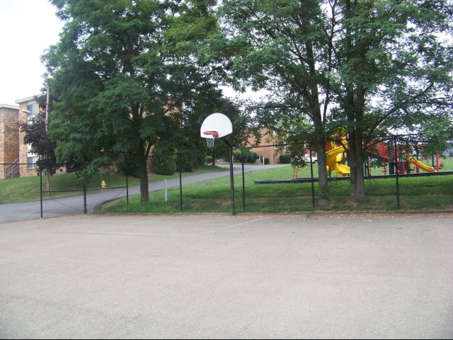 Image of Basketball Court for Timberline Apartments