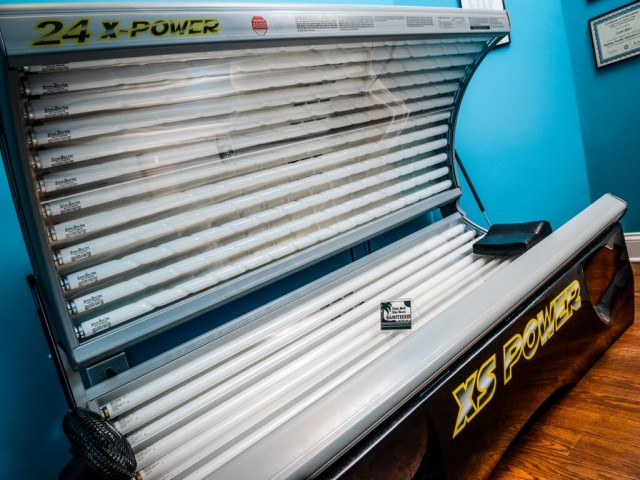 Image of Tanning Bed for Arlington West