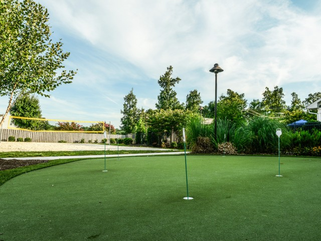 Image of Putting Green for Independence Place Prince George