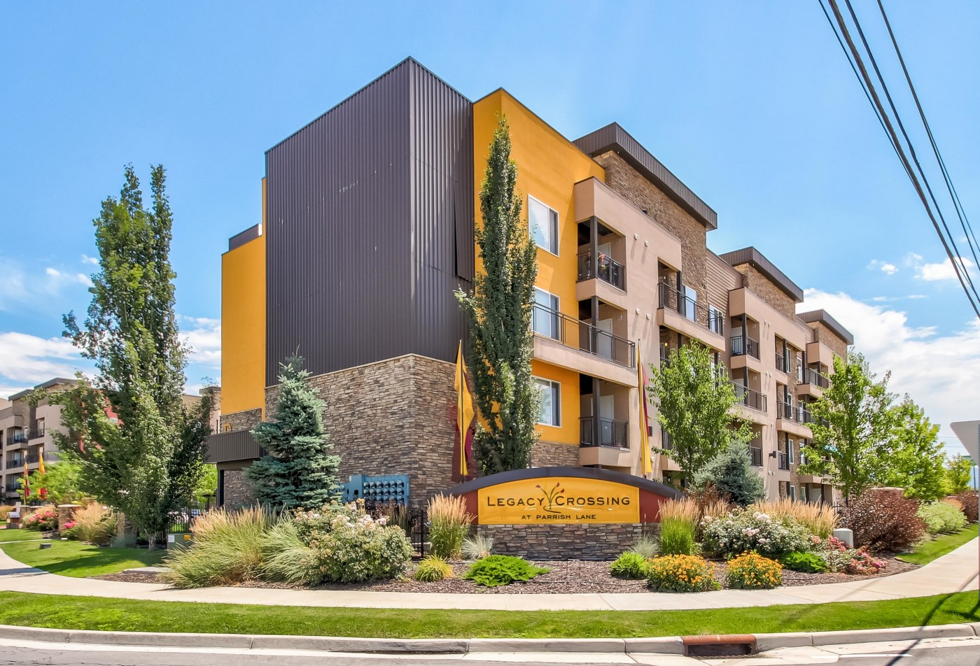 Legacy Crossing has been selected to receive the Small Business Excellence Award for 2018 in the Apartments Category! For full details, click HERE